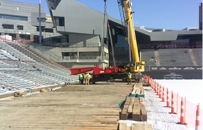 Crane-mats-at-football-field-construction